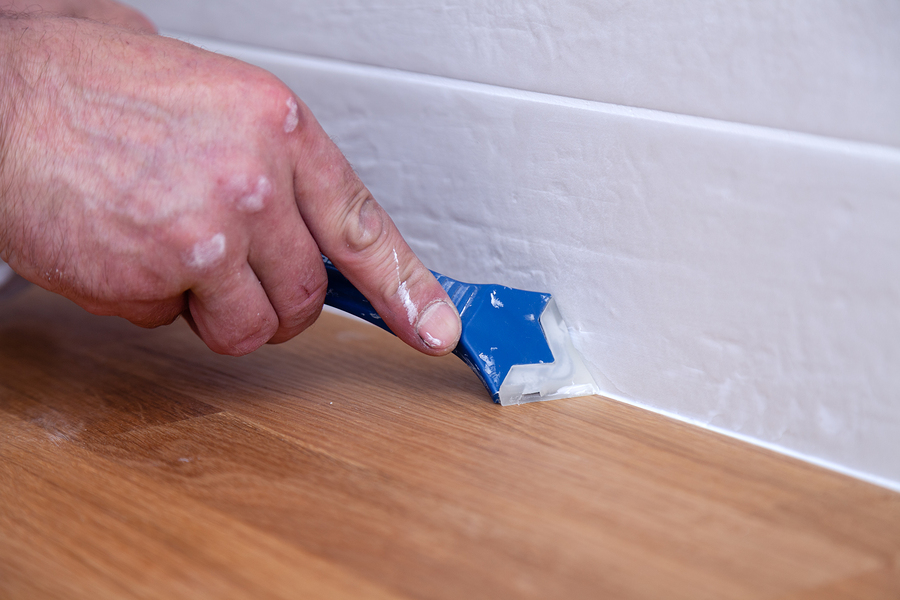 What is the Difference Between Spackle and Joint Compound?
