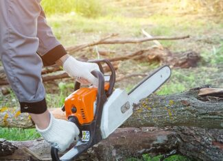 How Much Compression Should a Chainsaw Have?