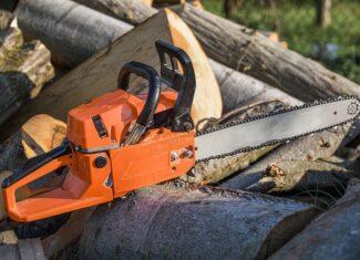 6 Best Chainsaws under $300 in 2021