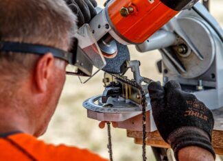 How Long Do Chainsaw Chains Last?